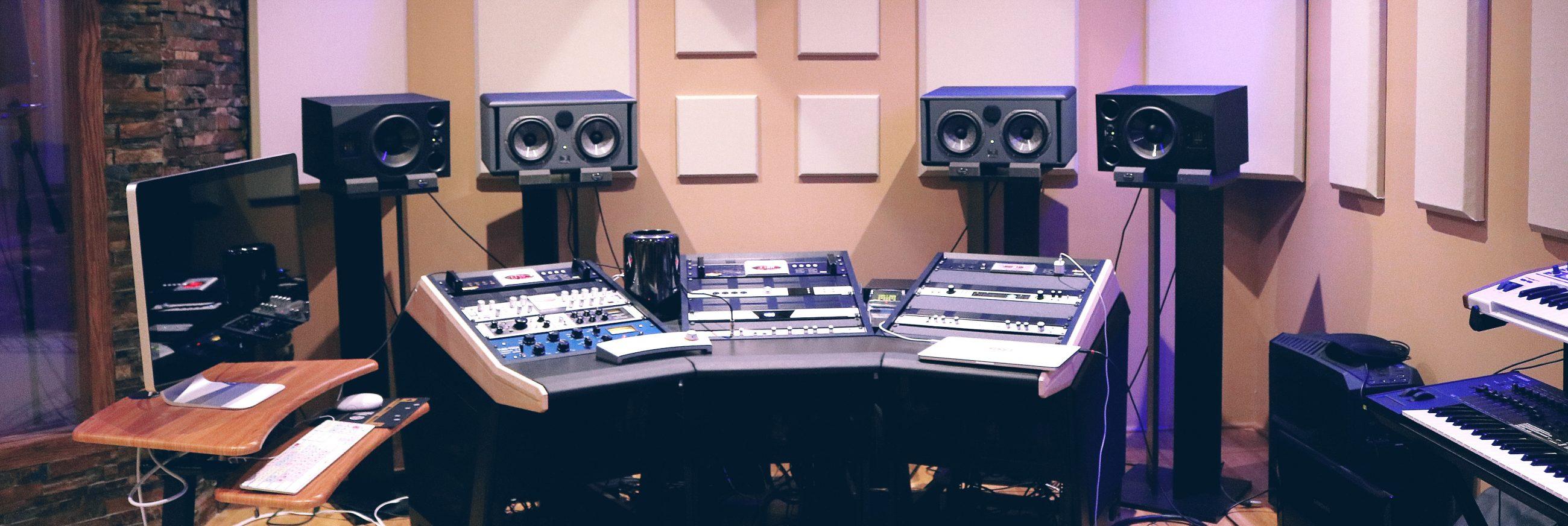 De la musique à l'image - compositeur de musique de films, documentaires & jeux vidéos